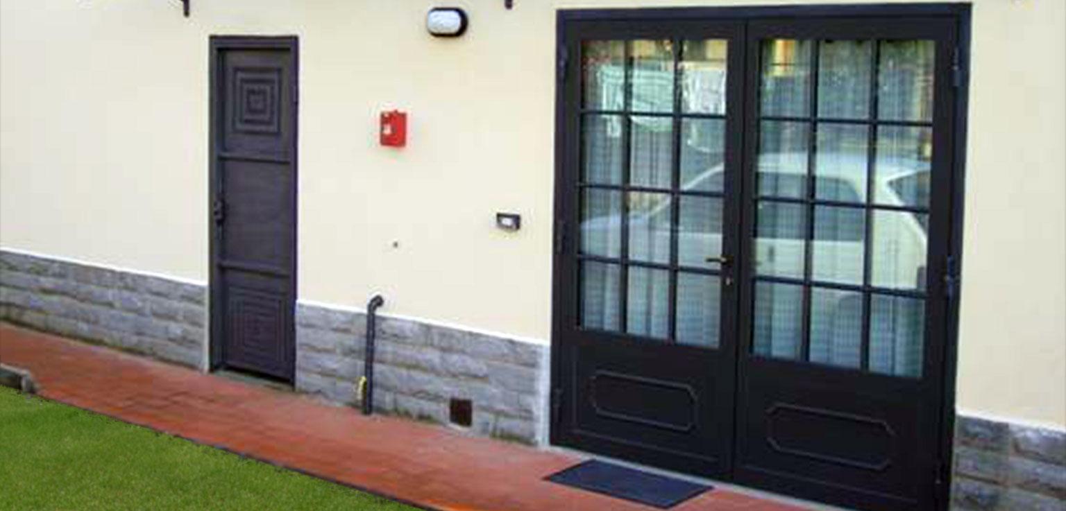Porte e finestre creazioni in ferro paolo fusi - Finestre e porte ...