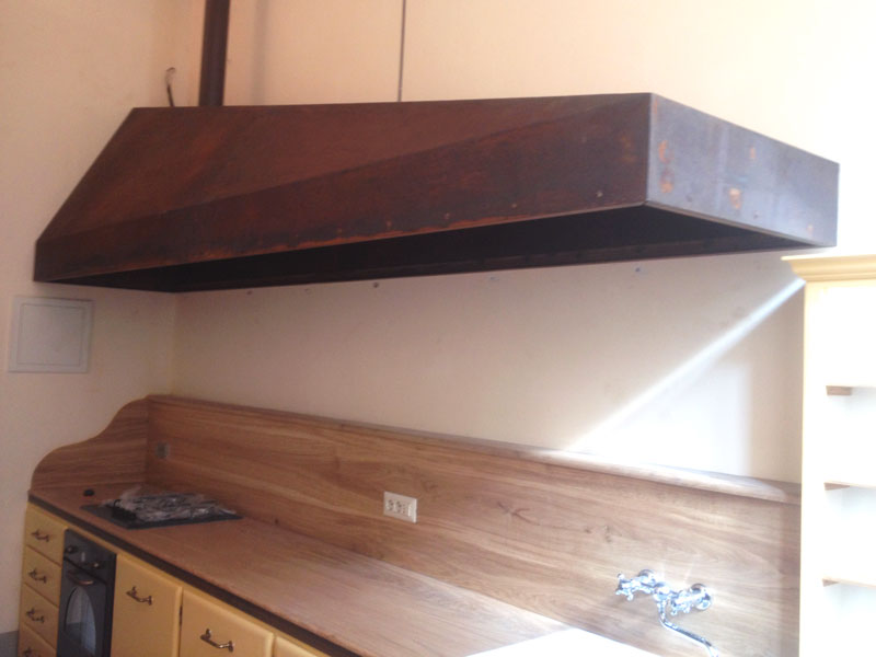 Cappe in acciaio per cucine amazing si distingue per luisola e la cappa in acciaio artemisia di - Cucine in acciaio per casa ...